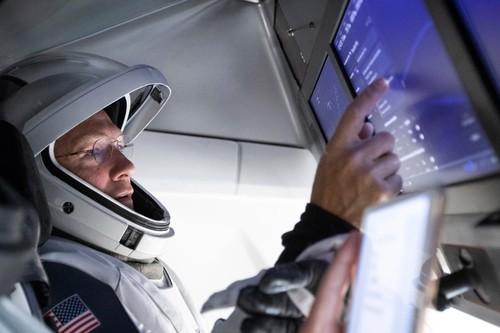 Así es el software que obra maravillas en el Falcon 9 de SpaceX: Linux y un sistema de redundancia triple para evitar fallos