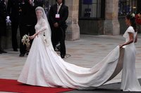 El look de Kate Middleton, duquesa de Cambridge en la Boda Real inglesa