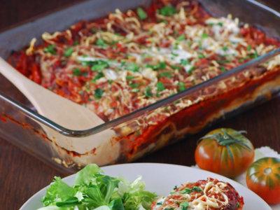 Enchiladas de pollo asado y salsa de tomate. Receta de aprovechamiento