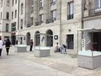La futura Apple Store de Berlín estrena escaparates en plena calle