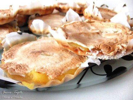 Mini tartas rápidas de limón con glasa gratinada. Receta