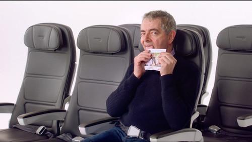 Cinco vídeos de seguridad aérea que no nos cansamos de ver