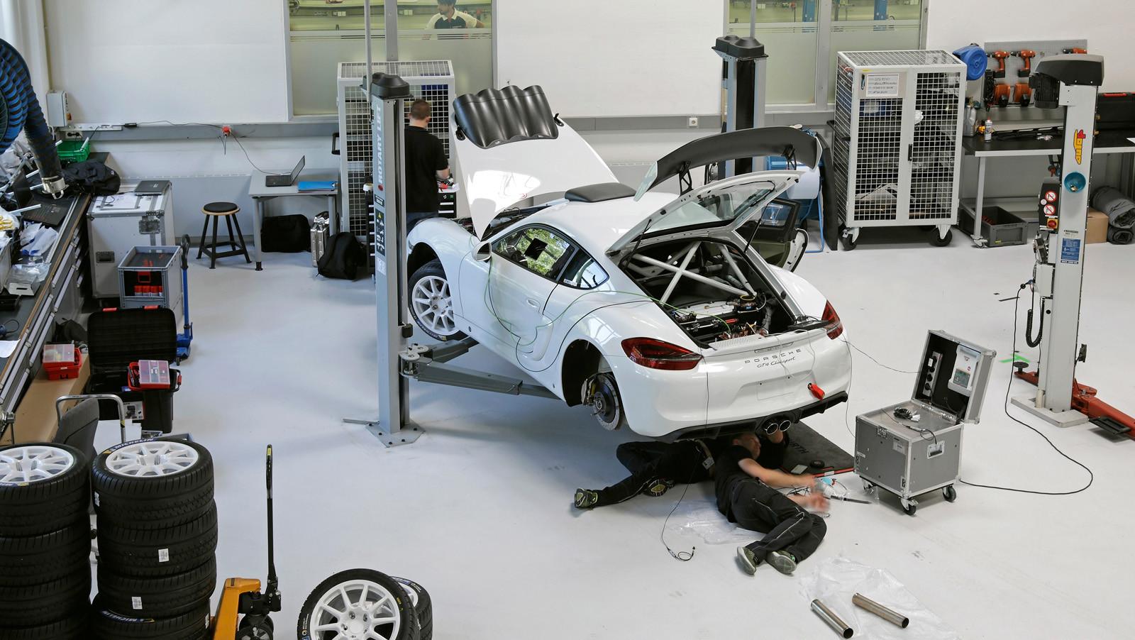 Foto de Porsche Cayman GT4 Clubsport (16/16)