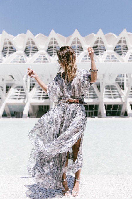 Tomorrowland Valencia Maje Long Dress Snake Bag Silver Sandals Outfit Street Style 21 790x1185