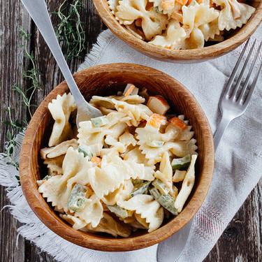 """Ensalada de pasta y surimi: una receta de """"fondo de cocina"""""""
