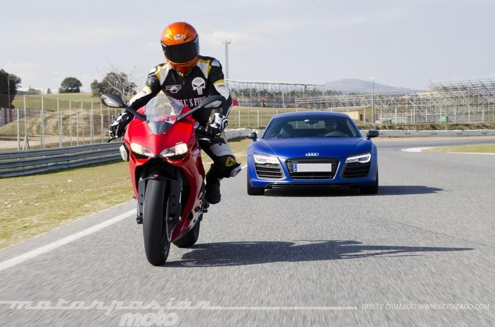 Ducati 899 Panigale Vs Audi R8 V10 Plus 8 24