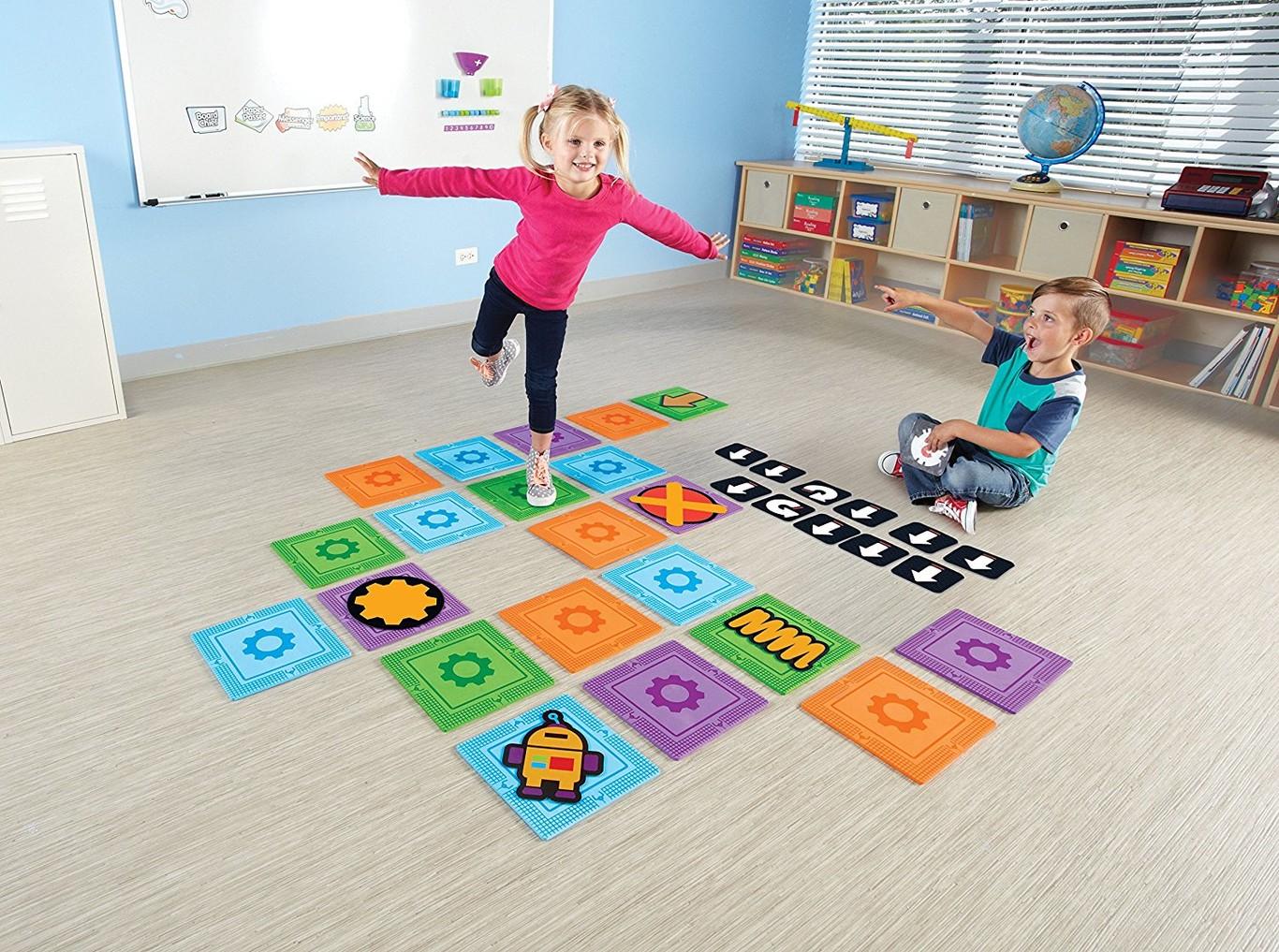 Enseñar programación a un niño sin PC ni robots: juegos de mesa, kits para imprimir, libros y recursos gratuitos