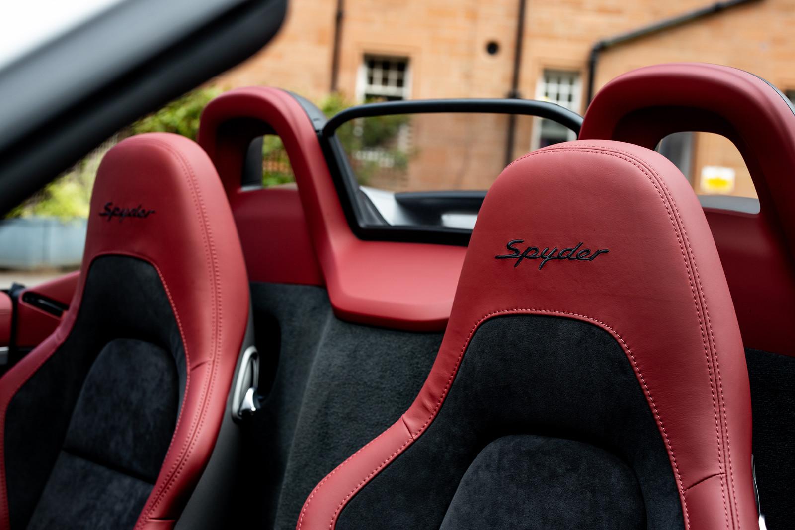 Foto de Porsche 718 Spyder (prueba contacto) (178/296)