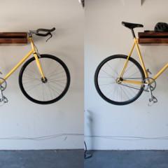 Foto 4 de 5 de la galería una-estanteria-donde-colgar-la-bicicleta en Decoesfera