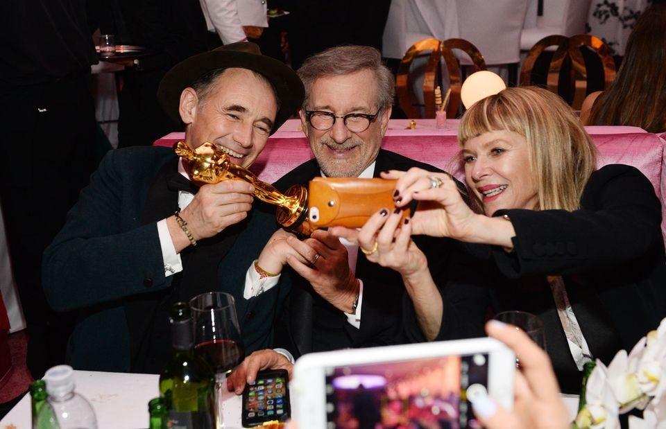 Mark Rylance con Steven Spielberg y Kate Capshaw