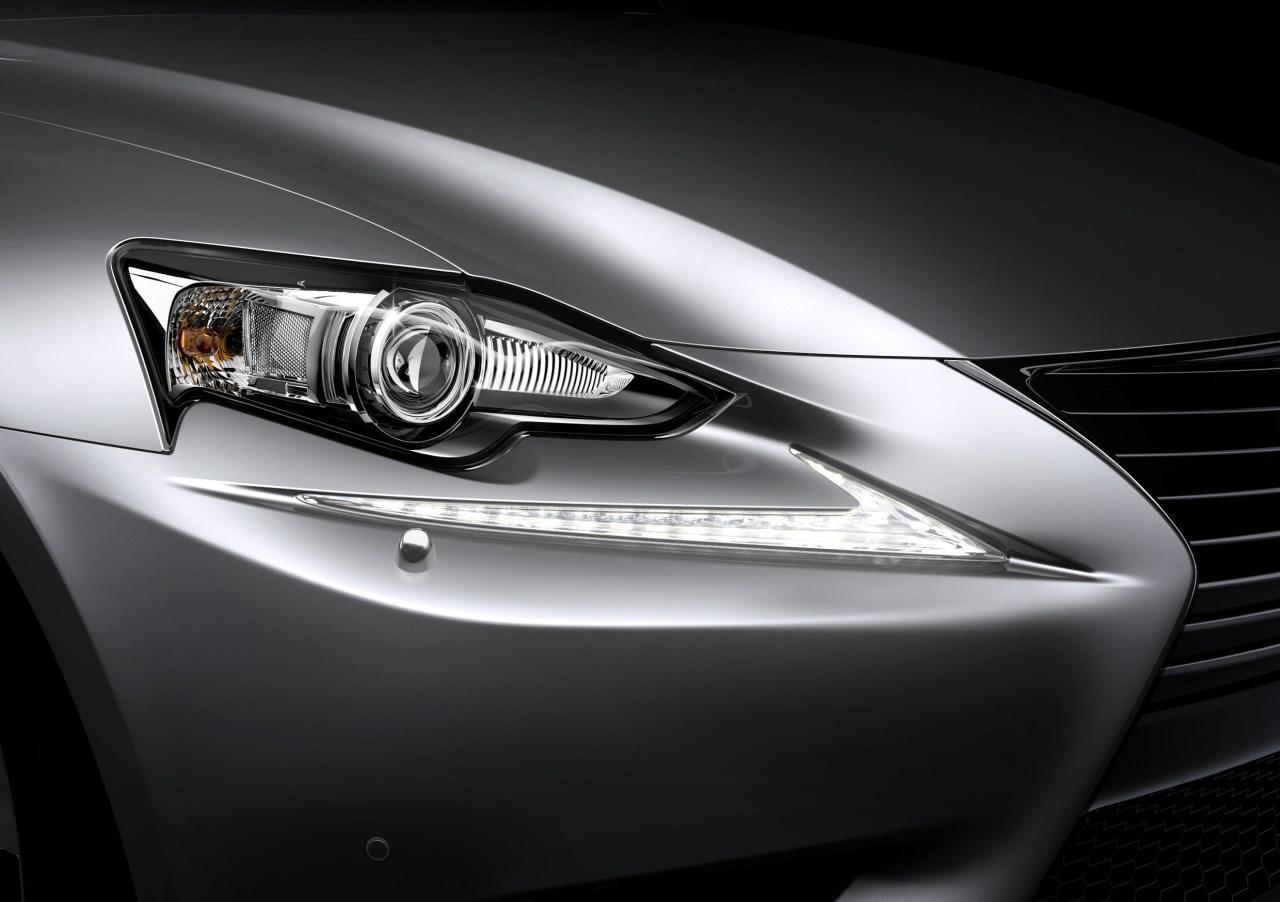 Foto de Lexus IS 300h (37/53)