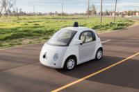 Este verano igual te cruzas por la carretera con el coche autónomo de Google