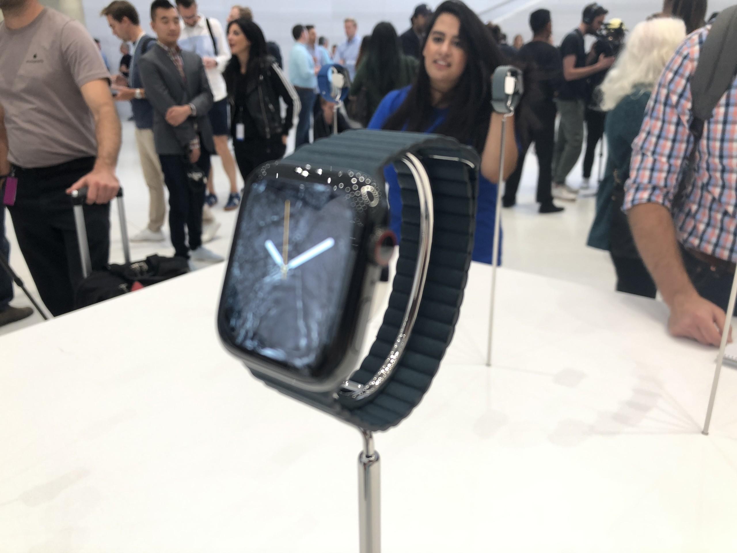 Foto de Apple Watch Series 4, iPhone XS, iPhone XS Max y iPhone XR (6/41)