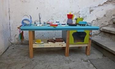 Recicladecoración: una cocina de juguete hecha con cosas usadas
