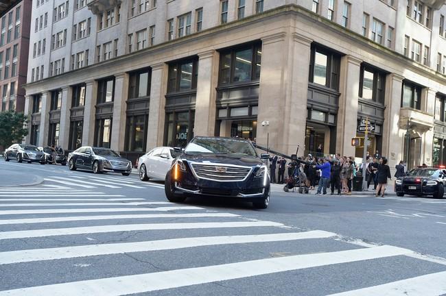 """Doce Cadillac cruzarán EE.UU. en modo """"manos libres"""""""