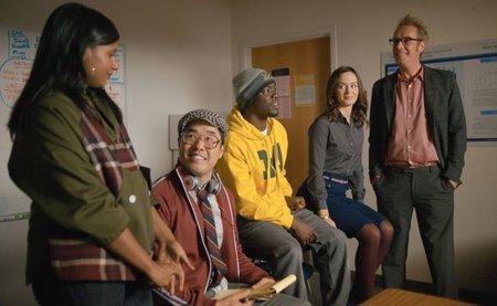 Mindy Kaling, Randall Park, Kevin Hart, Blunt y Rhys Ifans en Eternamente Comprometidos