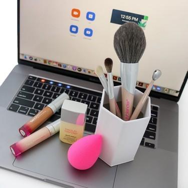 Nuevos objetos de deseo beauty a la vista: Beautyblender lanza una maravillosa colección de brochas de maquillaje multiusos