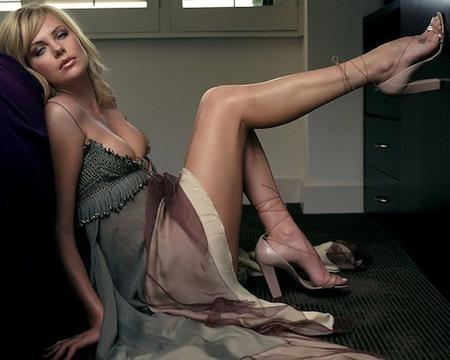 Charlize Theron y David Fincher preparan una serie para la HBO