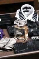 ¿A qué huele Karl Lagerfeld? Ahora ya podemos saberlo gracias a su primera línea de perfumes