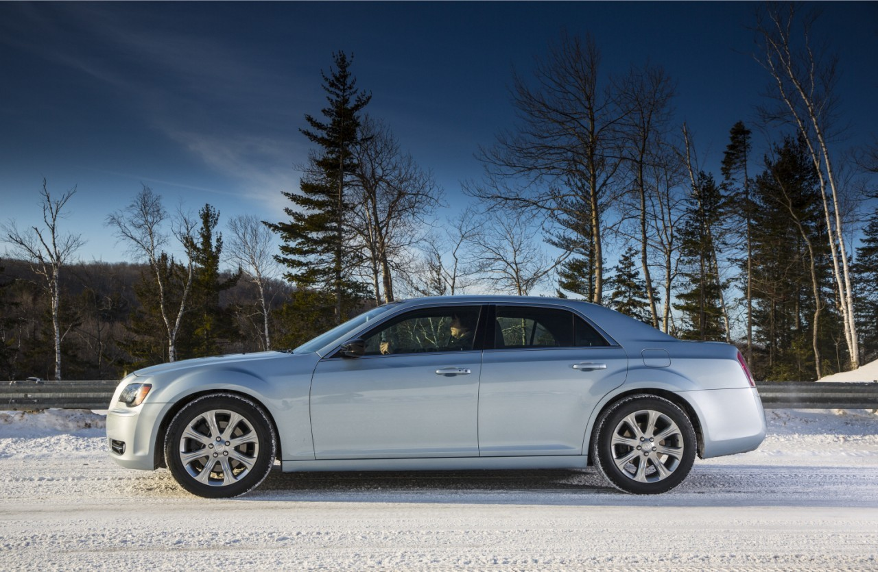 Foto de 2013 Chrysler 300 Glacier (9/27)