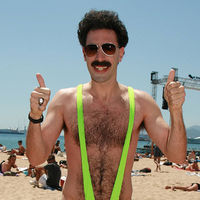 Ponerse el traje de baño de Borat en Kazajistan sale caro