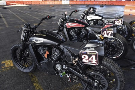 Indian Scout Sixty Super Hooligan Race 2015 07