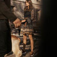 Los 11 vestidos patchwork de la temporada y cómo llevarlos según el street style