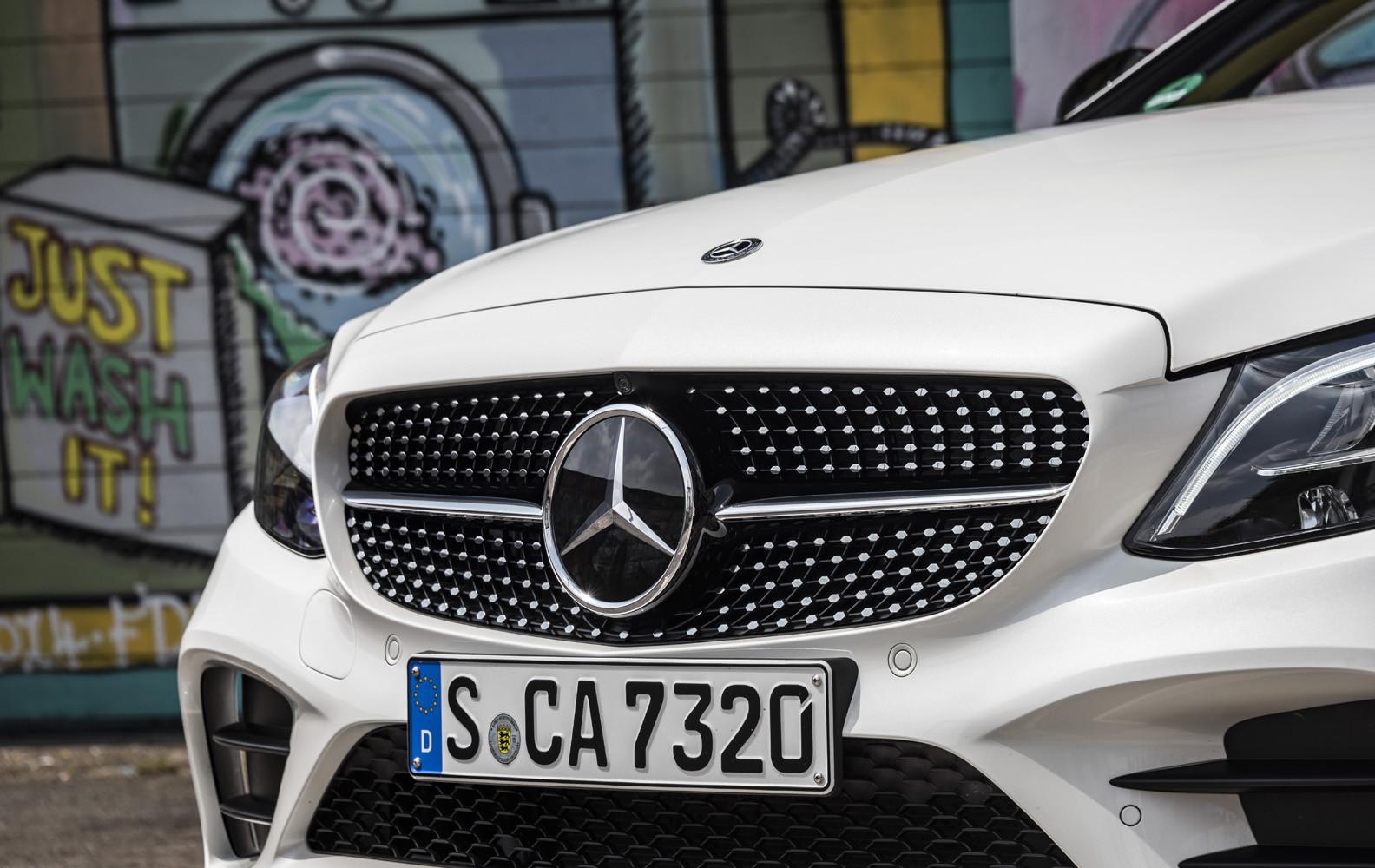 Foto de Mercedes-Benz Clase C 2018, toma de contacto (61/255)