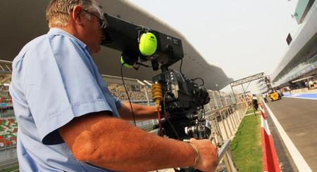 La FIA levanta la mano con la prensa en el pit-lane
