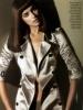 Irina-Shayk-luciendo-una-gabardina-brillosa-397x550.jpg