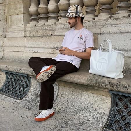 Los Millennials Han Dado Con Su Bolso Perfecto Lo Firma Telfar Yse Ha Convertido En La Nueva Obsesion De Los Fashionistas