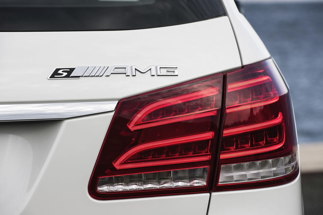Foto de Mercedes-Benz E 63 AMG 2013 (28/31)