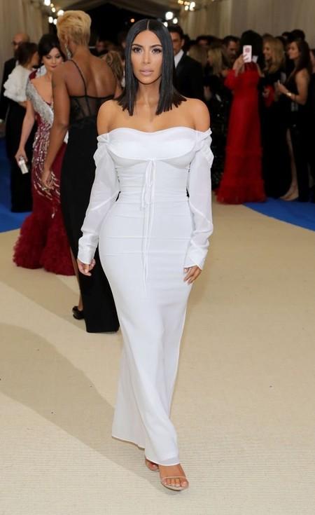 Sí, ahora Kim Kardashian se pasa al rosa