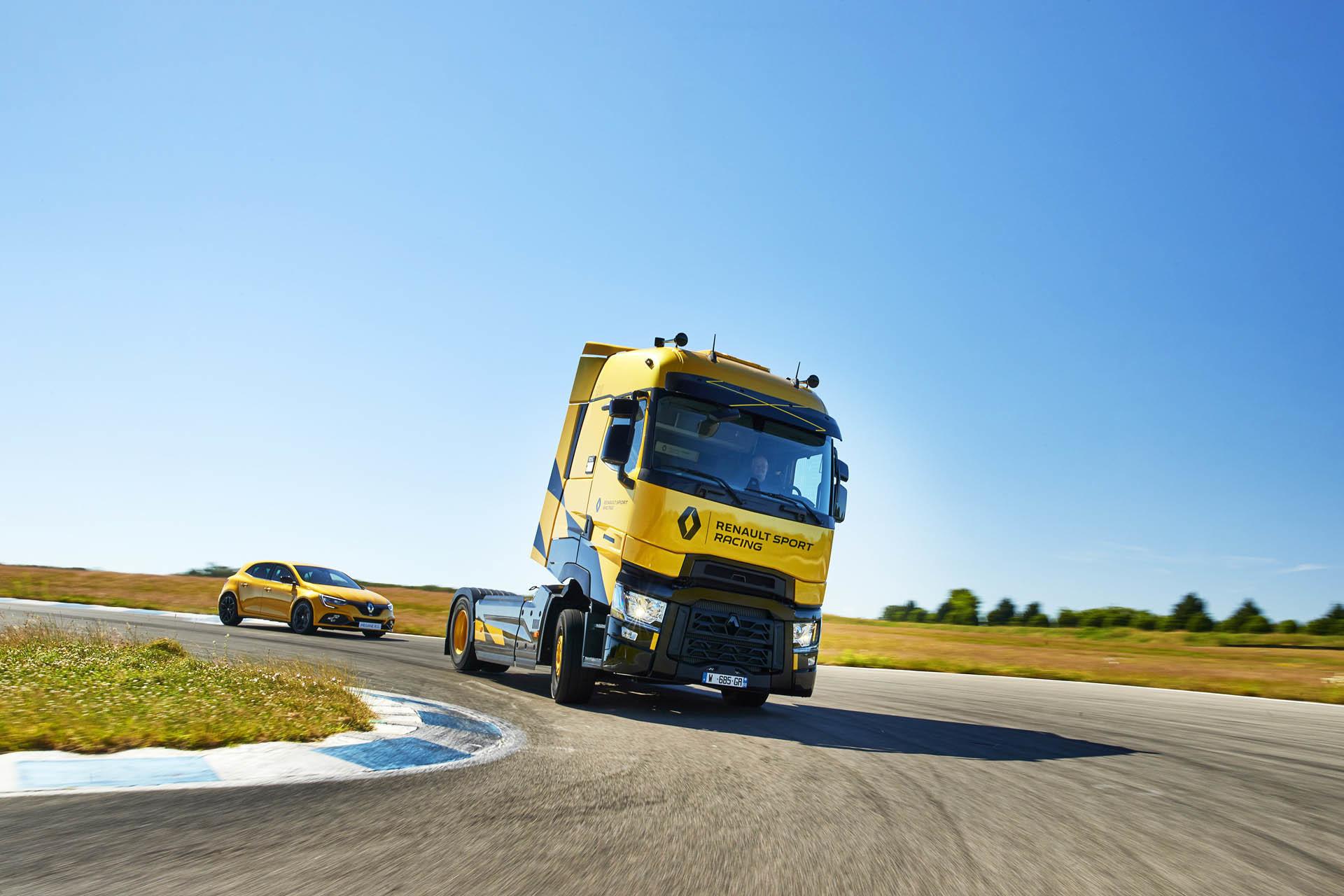 Foto de Renault T High RS Racing Edition (4/14)