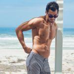 Espectacular David Gandy con su torso desnudo para la campaña swimwear de Marks & Spencer