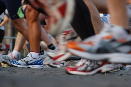 Para correr, mejor dos pares de zapatillas que uno