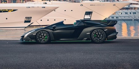 Lamborghini Veneno Roadster8 1579016294