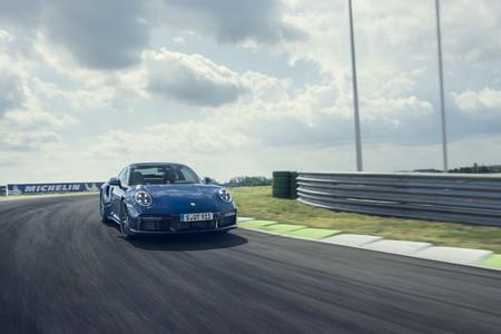 Porsche 911 Turbo 2021 8