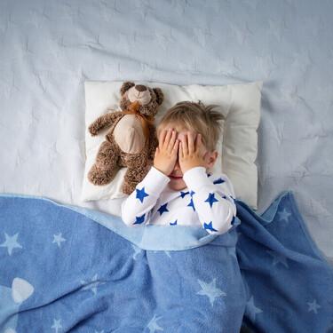 Baja autoestima, ansiedad y vergüenza: así afecta la enuresis nocturna a los niños