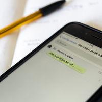 Cómo evitar perder mensajes importantes en WhatsApp usando los mensajes destacados