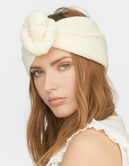 Cómo Ponerse Un Pañuelo En La Cabeza Diferentes Maneras De Moda Para Lucir Este Verano
