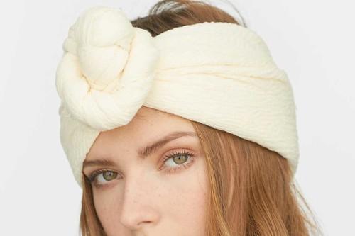 Cómo ponerse un pañuelo en la cabeza: diferentes maneras de moda para lucir este verano