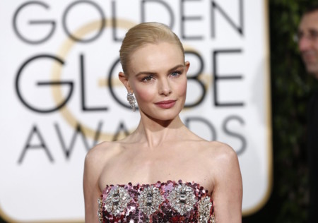 Kate Bosworth, la burbuja de champán rosado, eclipsa en los Globos de Oro 2016