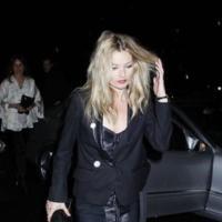 Los looks fiesteros de Kate Moss: un estilo de juerga, reciclable de día