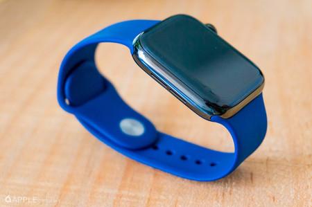 Apple Watch Series 4 de 40 mm en aluminio con GPS por 376,99 euros en eBay