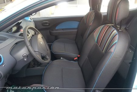 Renault Twingo 2012 Emotion interior 01
