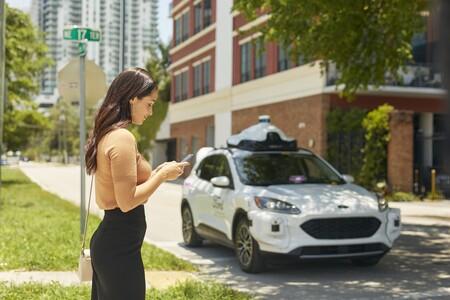 Ford, Lyft y Argo AI lanzarán en 2021 una nueva flota de taxis autónomos