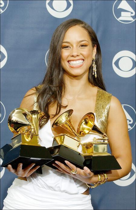 cantantes mujeres con mas premios grammy