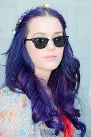 Katy Perry, del azul al morado y tiro porque me ha tocado