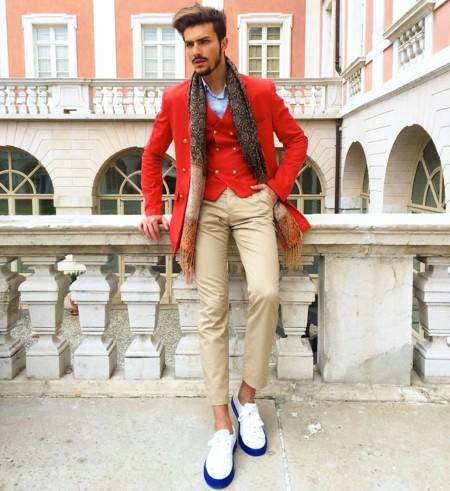 Súmale festividad a tu look con un ítem en rojo este invierno